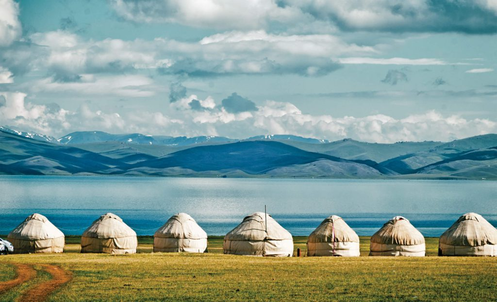 Yurt-camp-Son-Kul