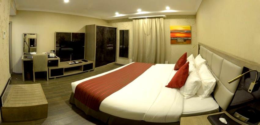 the-Golden-Tulip-Hotel