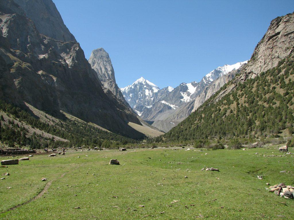 Karavshin-gorge