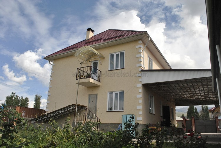 gostevoi-dom-Nurel-v-Karakole