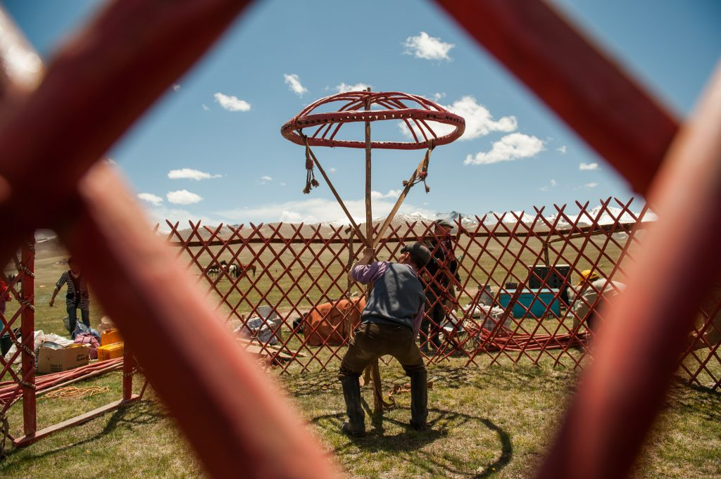 Yurt setting up show