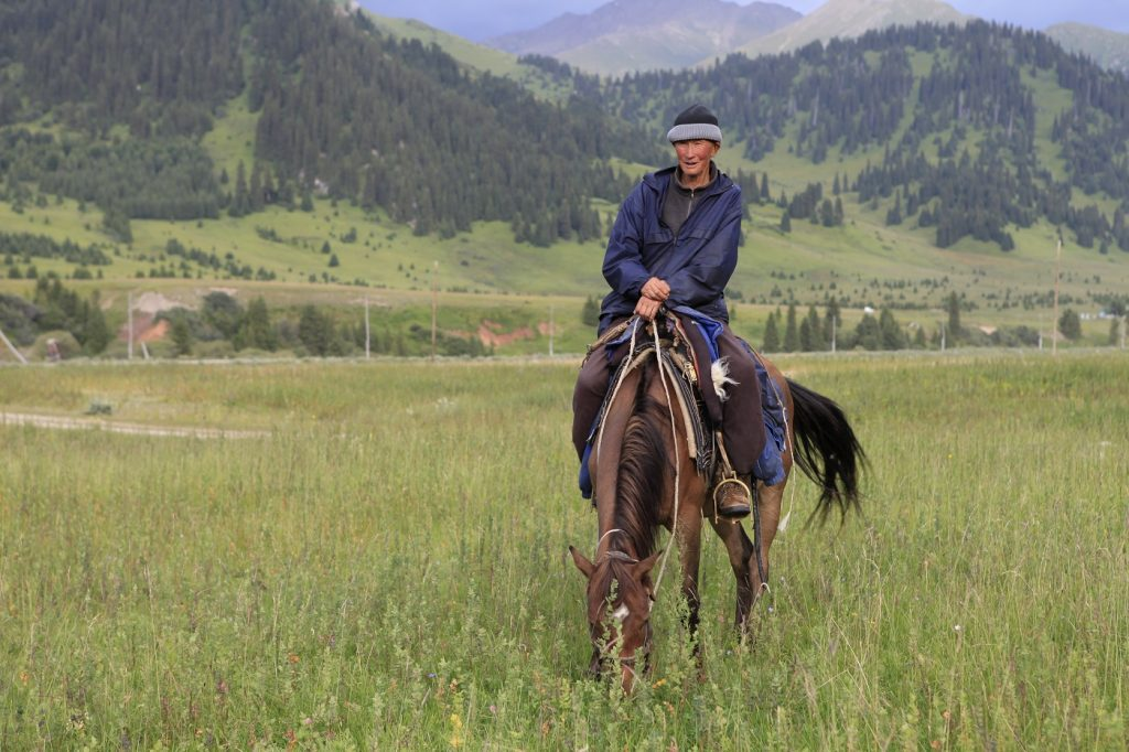 конные туры в Кыргызстане, horse riding Kyrgyzstan, Конные туры Кыргызстан, конные походы по киргизии, конный туризм, Horse riding tours in Kyrgyzstan, horse riding routes